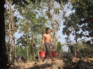 [Foto-Foto] Kekeringan Melanda Sekitar Waduk Pondok Ngawi