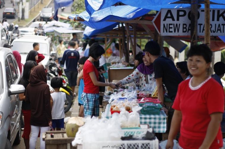 [WPC-5] Aneka Jajanan Pasar Kaget Bantarjati (Bogor) di Bulan Puasa
