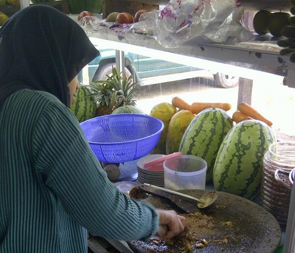 Rujak Aceh, Kuliner Khas Bumi Serambi Mekkah dengan Sensasi Selangit