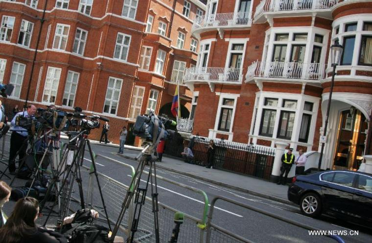 Ekuador dan Inggris, Ada Apa dibalik Perburuan Assange Wikileaks