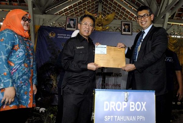 Drop Box SPT di Pusat Perbelanjaan Bandung