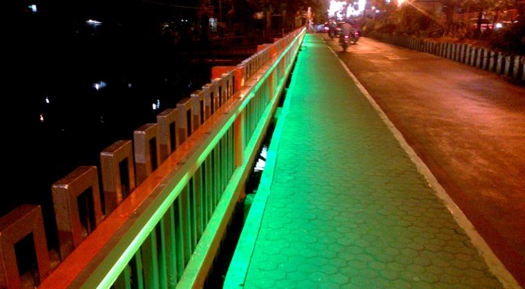 Ujung Jembatan Terminal Joyoboyo