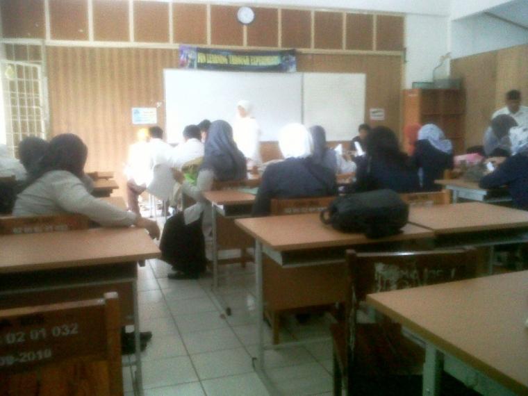 Pengalaman Mengikuti Uji Kompetensi Guru (UKG) di SMAN 105, Ciracas Jaktim