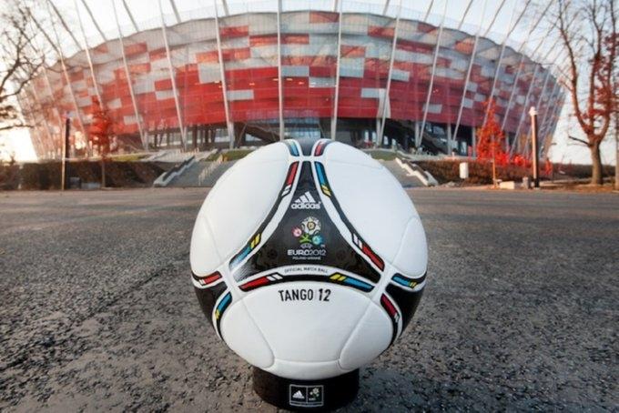 Sepakbola Haram, Lari ke Kontrakan