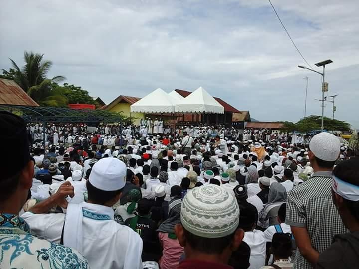 Ustads Idrus Ramli dan FPI Pimpin Parade Tegakkan Syariat di Aceh dan Tolak Wahabi