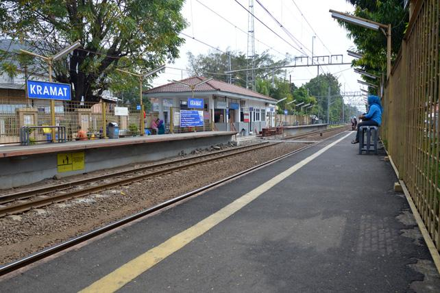 [CLICK] Stasiun Kramat dan Gang Sentiong: Jalur Bersejarah Nan Minim Kisah