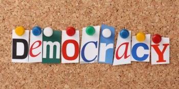 Perbedaan Demokrasi Pancasila Dan Demokrasi Liberal Antara ...