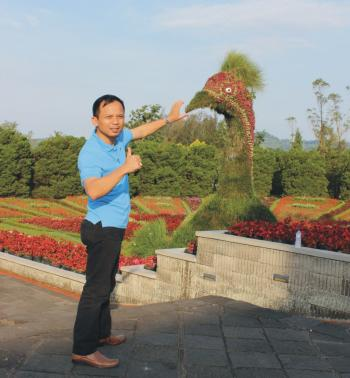 Desain Taman Bunga Gantung  strategi pengembangan ekowisata berbasis taman bunga pada