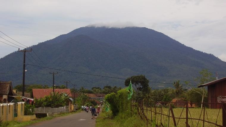 Gunung Karang, Mitos, Sejarah, Kebudayaan dan Kebanggaan Warga Pandeglang