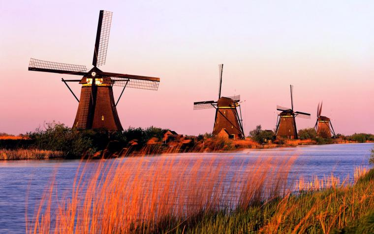 Kenapa Egypt jadi Mesir, Greece jadi Yunani, dan Netherland jadi Belanda?