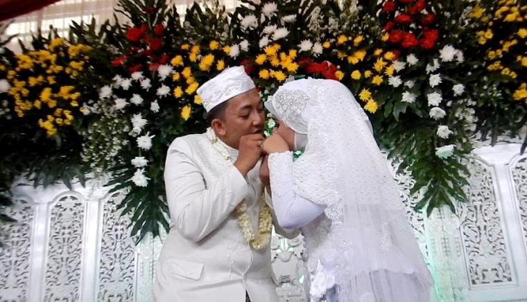 Pernikahan Adat Sunda Dan Makna Prosesinya Oleh Gapey Sandy Halaman