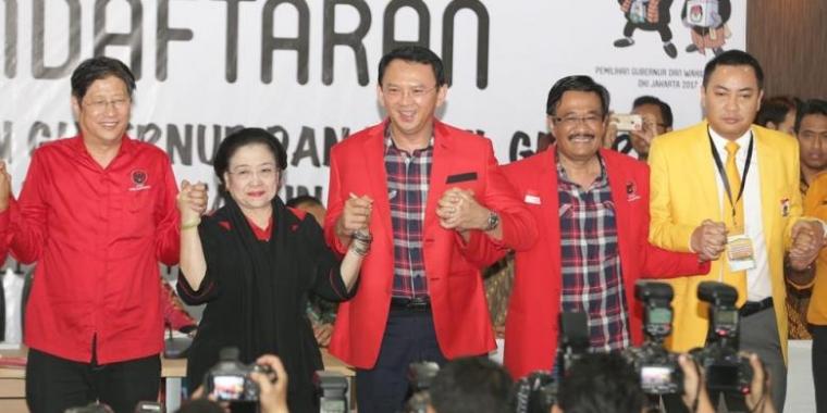 AhokDjarot Menanti Tuah Kemeja Kotakkotak Jokowi oleh Suci