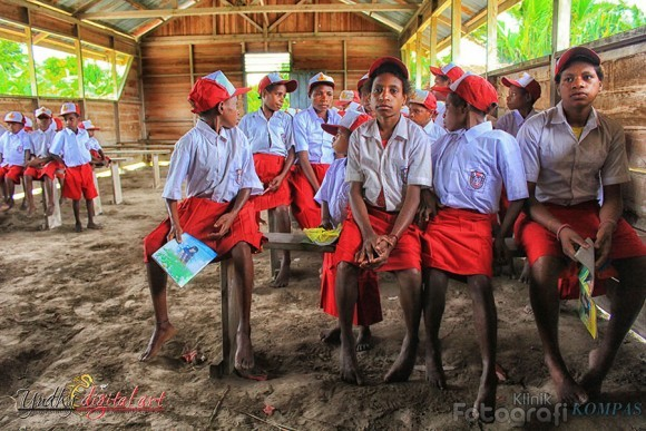 Setelah Mengajar Anak-anak Papua, Saya Ubah Drastis Pola Mengajar Saya
