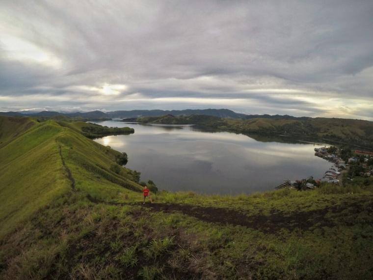 Kapan Papua Punya Jalur Lintas Alam?