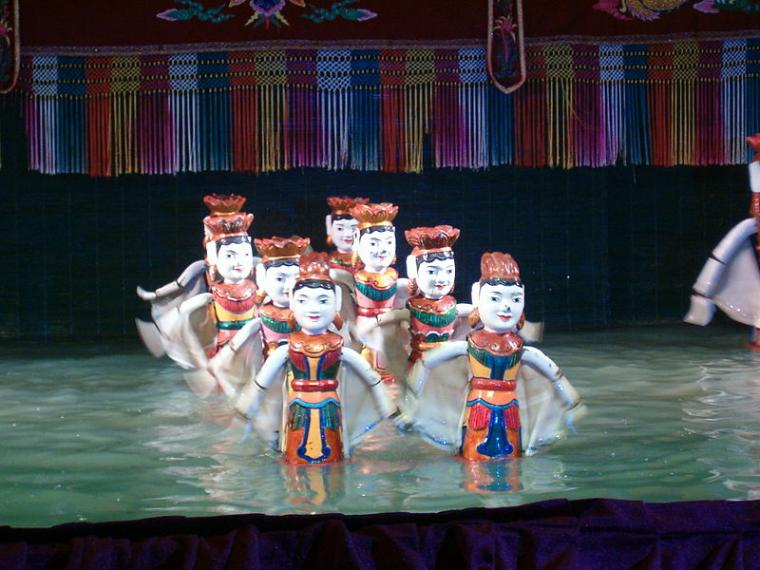 Pertunjukan Wayang Golek dalam Air di Vietnam
