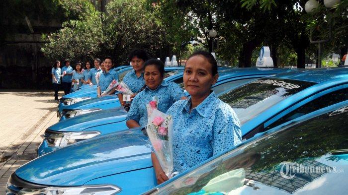 20 Menit Bersama Sopir Taksi Wanita