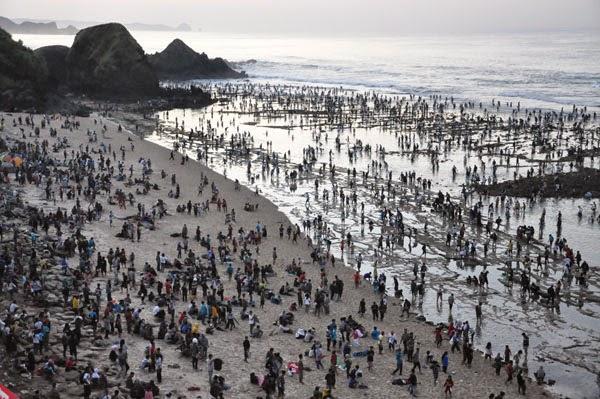Bau Nyale:  Tradisi Turun Temurun Suku Sasak