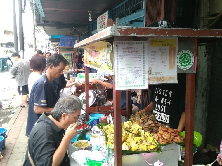 Pesona Wisata Kuliner Jalan Surya Kencana Bogor Oleh Andini Harsono