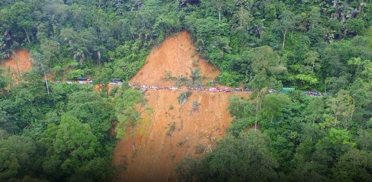 Berbahayanya Jalan Negara di Pangkalan Kabupaten Limapuluh Kota