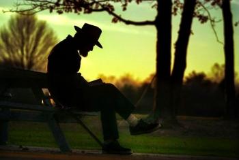 Lelaki Yang Bercerita Pada Malam Halaman All Kompasianacom