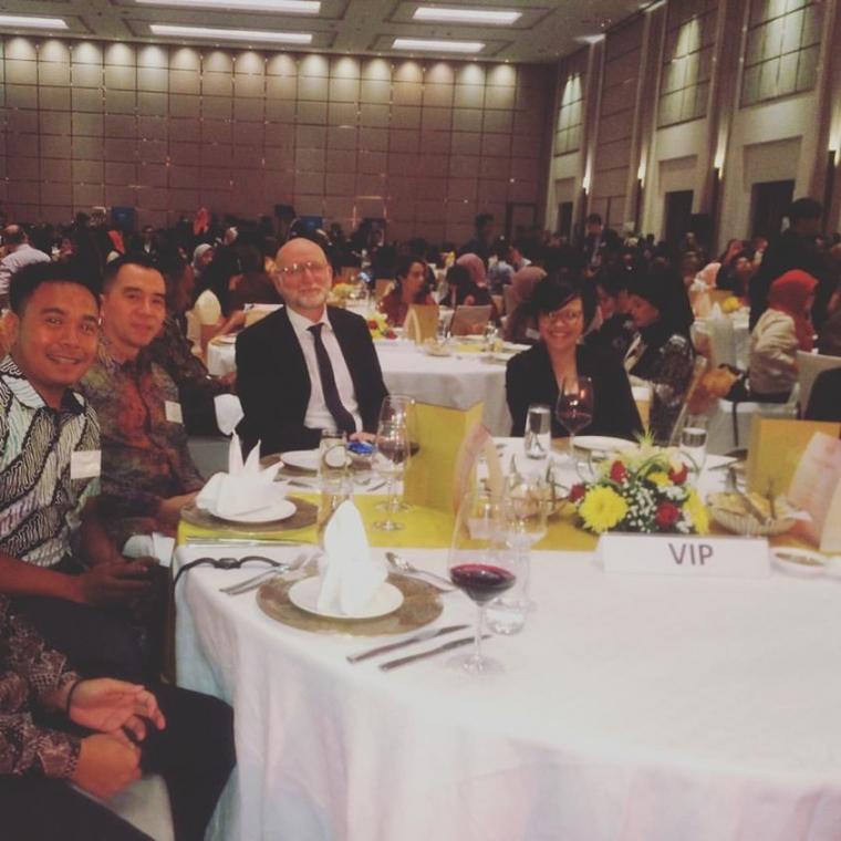 Kitong Bisa Menerima Grant dari Kedutaan Australia Indonesia melalui skema: Australia Grant Scheme