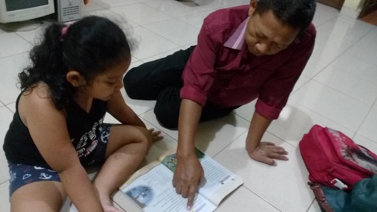 Pentingnya Seorang Ayah Menaruh Kasih Setiap Waktu
