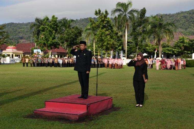 Hari Kartini di Bangka, Peserta Upacara Dinilai Dalam Keserasian Berkebaya
