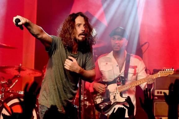 Mengenang Suara Vokal Chris Cornell
