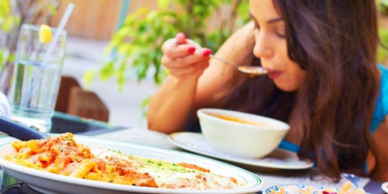 Belajar Menghargai Makanan di Menara Eiffel