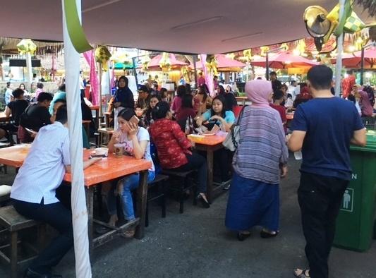 Festival Kuliner Ngabuburit La Piazza; Sudah Diperpanjang, Tetap Penuh