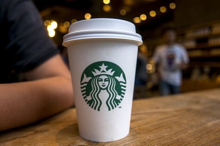 Starbucks dan Jebakan LGBT sebagai Segmentasi Pemasaran