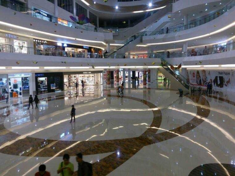Mall atau Plaza Mulai Ditinggal Pengunjung, Salah Siapa?
