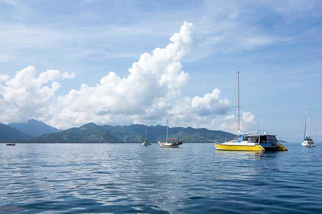 Cara Asik Menikmati Pulau Lombok