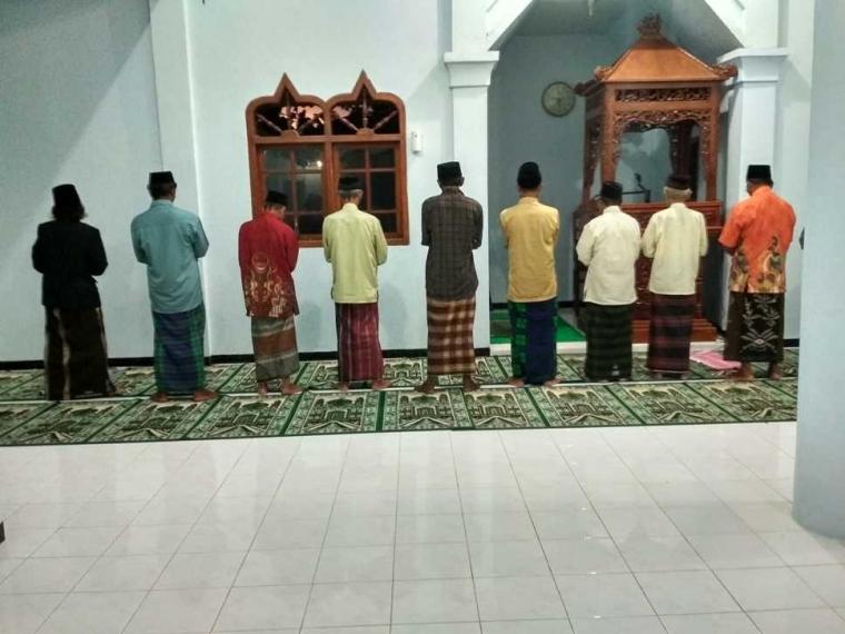 Semangat Pergi Naik Haji vs Semangat Salat Berjama'ah
