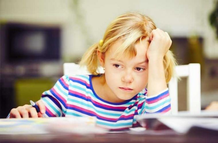 Saatnya Mengejakan PR, Saatnya Orang Tua Mengomel di Malam Hari