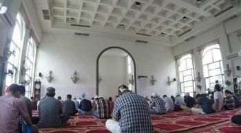 Shalat Jumat Di Masjid Kaohsiung Taiwan Halaman 1