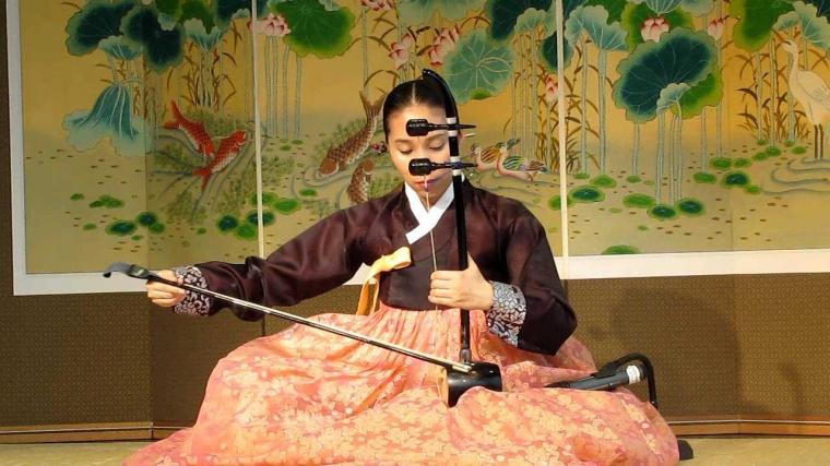 "Belajar ""Haegeum"" dan ""Yulmyeong"", Alat Musik dan Solmisasi ala Korea"