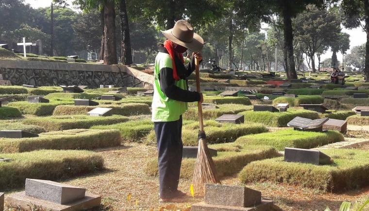 "Sosiologi Pekuburan, Ada Tim ""Buser"" di Kampung Kandang Jakarta"