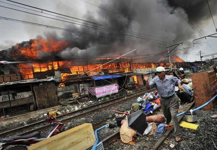 Asap-asap Liar di Kampung Bandan