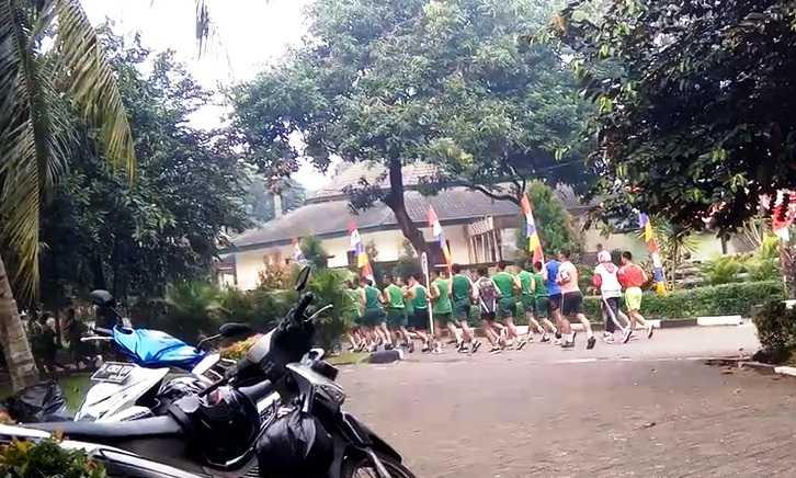 Melihat Peluang Warga Cilodong Menang Lari Maraton