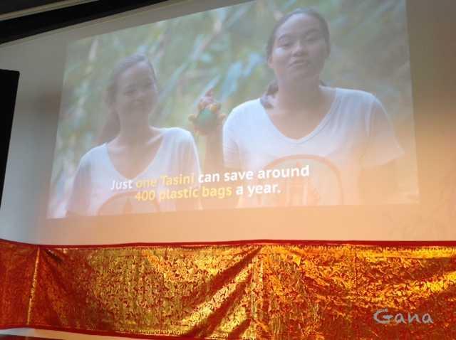 """Pakai """"Tasini"""" Bisa Hemat 400 Kantong Plastik Setahun dan Selamatkan Lautan dari Sampah Plastik"""