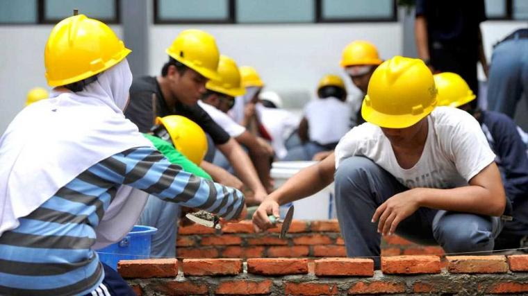 Menghindarkan Lulusan SMK Bangunan Jadi Kuli Bangunan