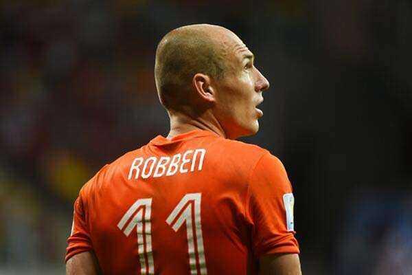 "Kisah ""Hongerwinter"", Tulip, dan Keputusan Arjen Robben"