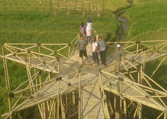 Modal Bambu, Jadi Potensi Wisata di Tengah Sawah