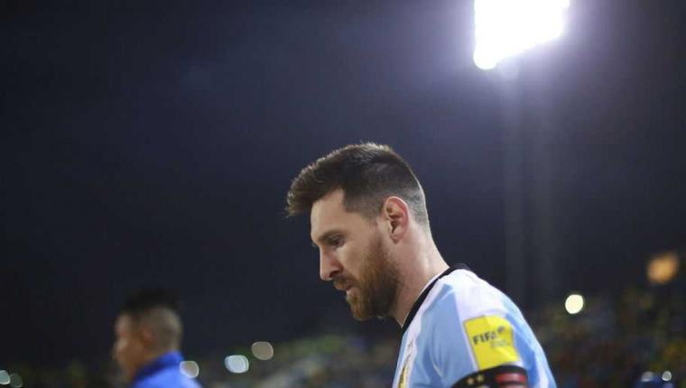 [Kontroversi Pengamat Sepakbola] Membandingkan Messi dan Maradona