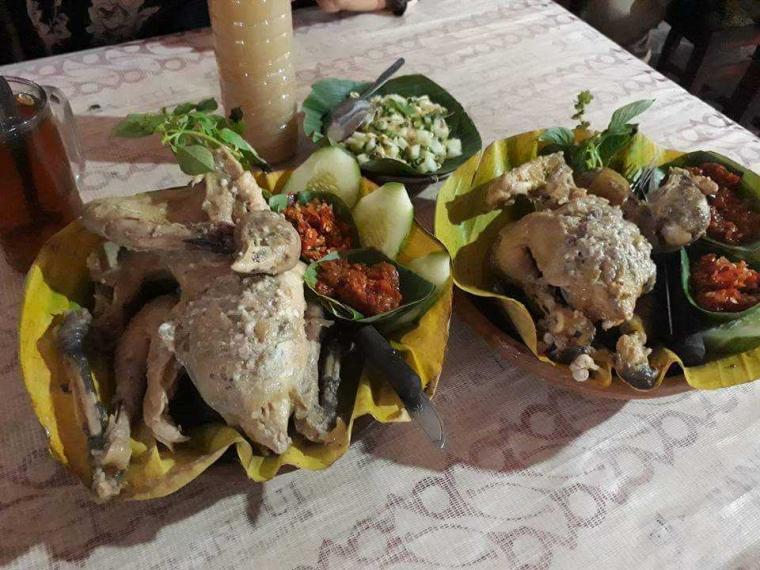 Ayam Ingkung Ternyata Bisa Menjadi Kuliner yang Menarik