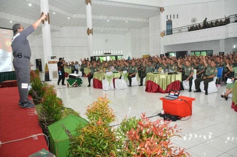 Bangga, Bisa Berbagi Untuk TNI