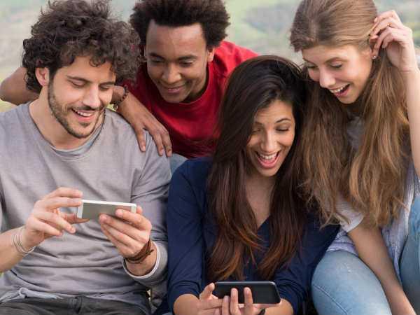 """Tips Lancar """"Streaming dan Download di Smartphone"""""""