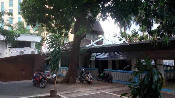 Mengenal Lebih Dekat Masjid Perahu Jakarta Selatan