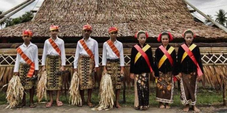 Resep Hidup Bahagia dan Umur Panjang Masyarakat Indonesia